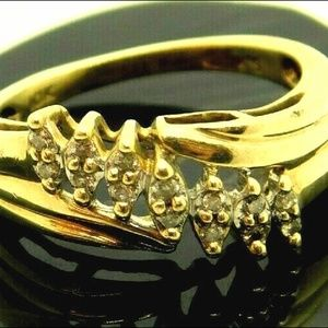 Vintage Solid 10k Y Gold & Marquis Diamond ring